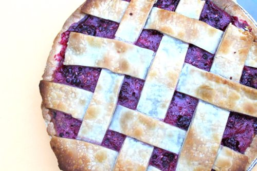 Homemade-berry-pie-with-whole-wheat-crust