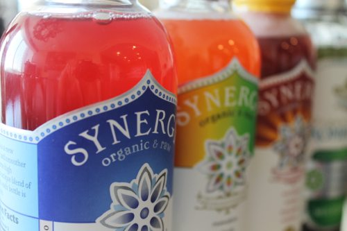Kombucha-wine-spritzer-with-Pinot-Grigio-with-GT-Synergy