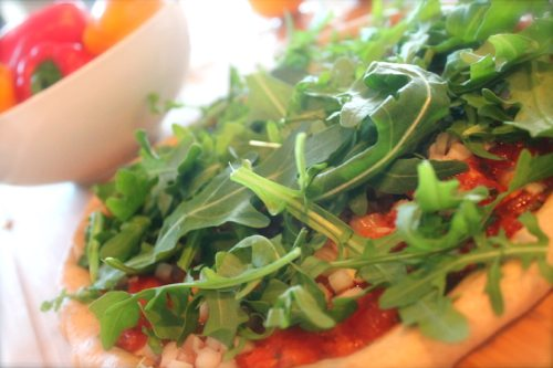 The-Jennifer-Aniston-Pizza-with-whole-wheat-thin-crust-and-arugula