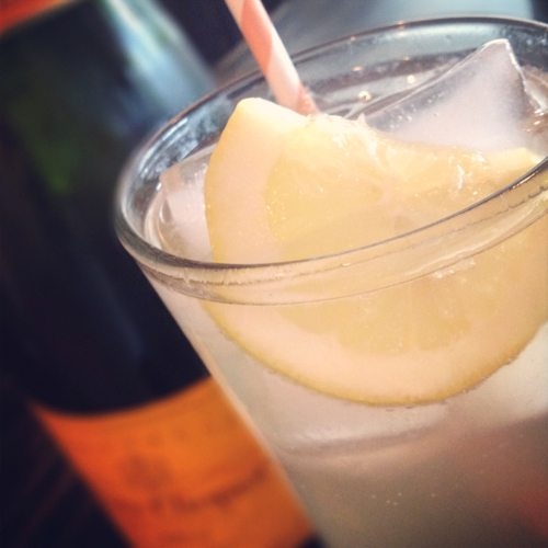 Champagne-cocktail-with-lemon-and-soda-water