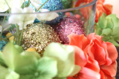How-to-make-DIY-Easter-decorations-with-Easter-glitter-eggs