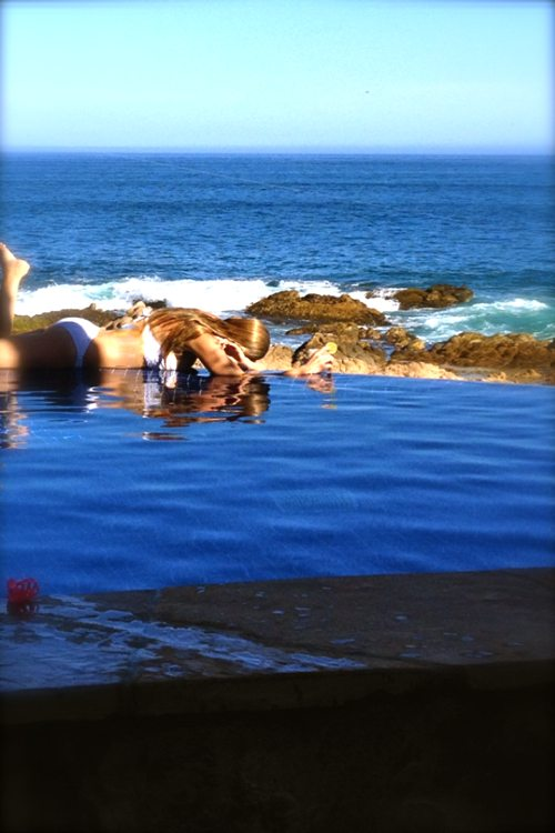 Lauryn-Evarts-with-Michael-Bosstick-in-Cabo