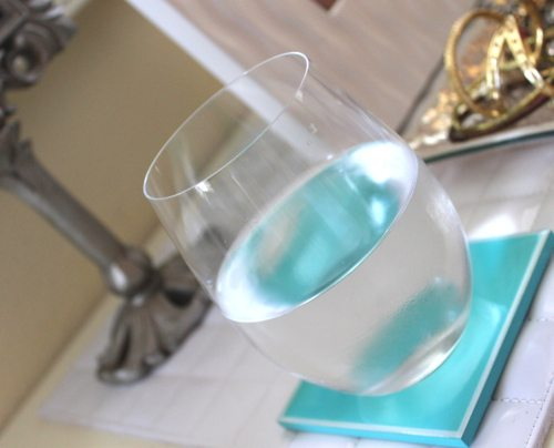 Mini-DeLites-with-sparkling-water-and-teal-coasters