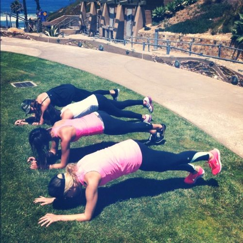 Sara-Bri-Reading-and-Elena-Erlandsons-beach-workout