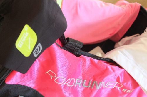 Lauryn Evarts, fitness blogger and health blogger does a giveaway with Road Runner Sports.