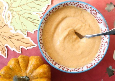Lauryn Evarts shares a recipe for vegan pumpkin froyo.