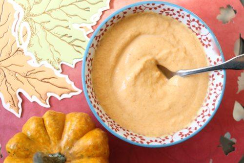 Lauryn Evarts shares a recipe for vegan pumpkin froyo.