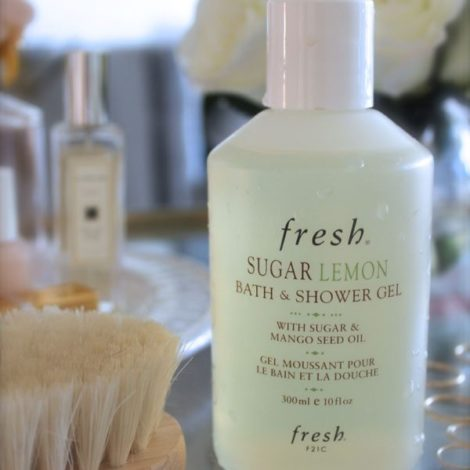 The Skinny Confidential best damn...shower gel.