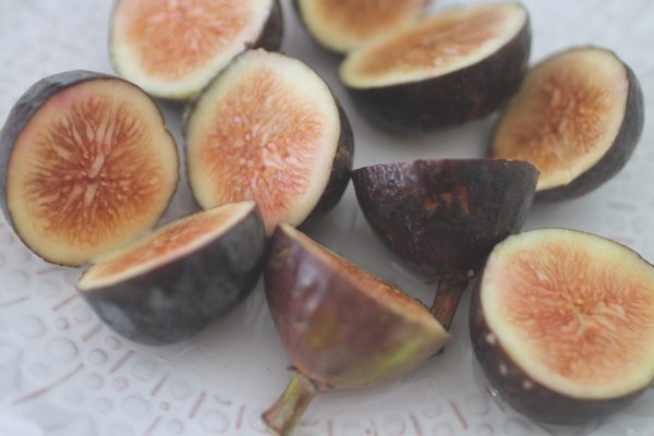 A fig recipe by The Skinny Confidential.