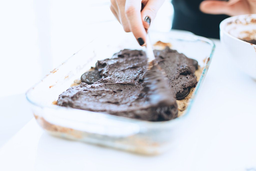 learn how to make slutty brownies | by the skinny confidential
