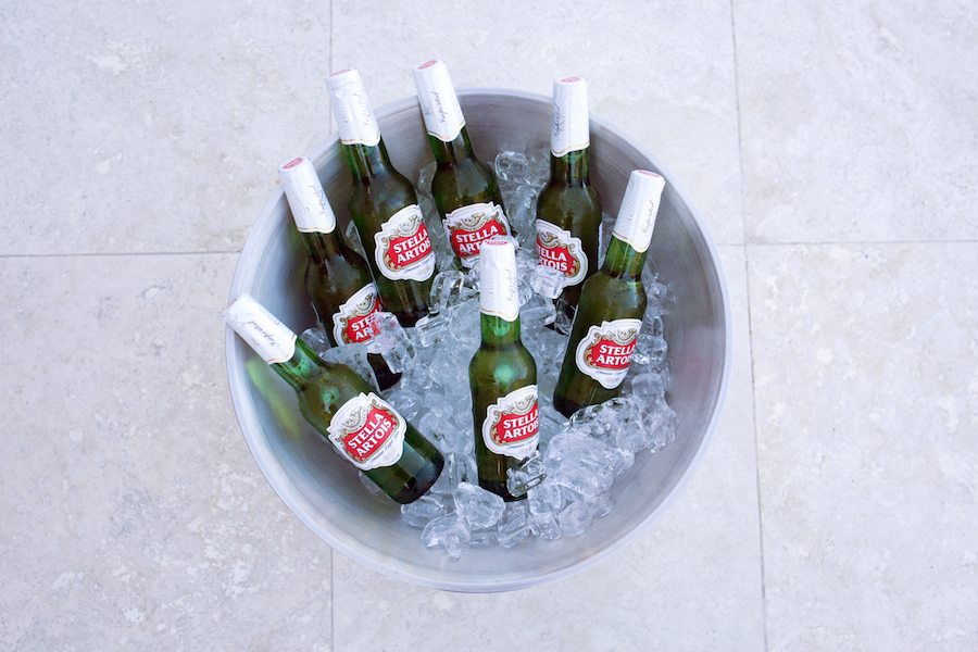 End Your Summer With A Bang & Stella Artois | by the skinny confidential. Lauryn hosts a party with her friends, Stella beer, & delicious snacks!