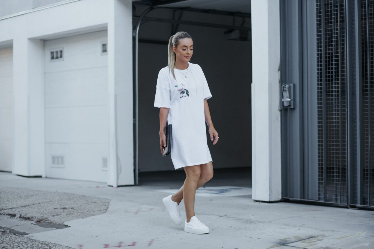 alley modeling white rose t shirt dress